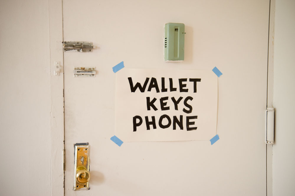 wallet keys phone